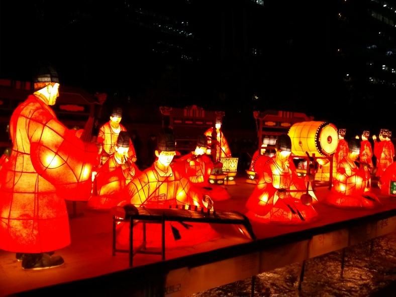Many pretty lights. The Seoul Lantern Festival along Cheonggyecheon Stream.